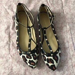 Cheetah flats with studs and ankle straps!💫🐆